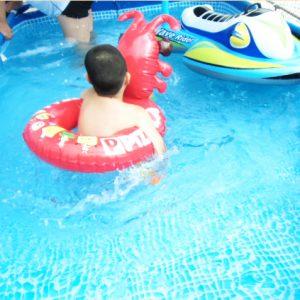 夏は水遊びもできます